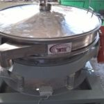 Vibrating sieve for sifting dry milk mixtures