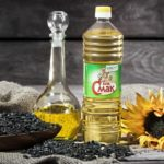 Refined and unrefined sunflower oil